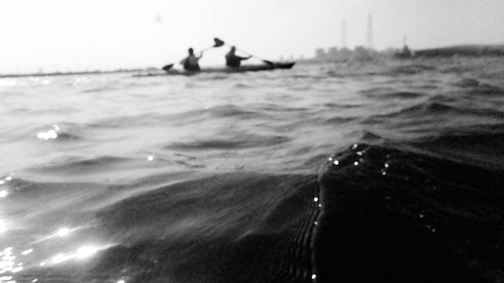 渡過黑潮的湧浪,以每一個下槳的水花,記憶每一隻為人類被抓上岸的鯖魚,傳遞出「海鯖廻家」的意念