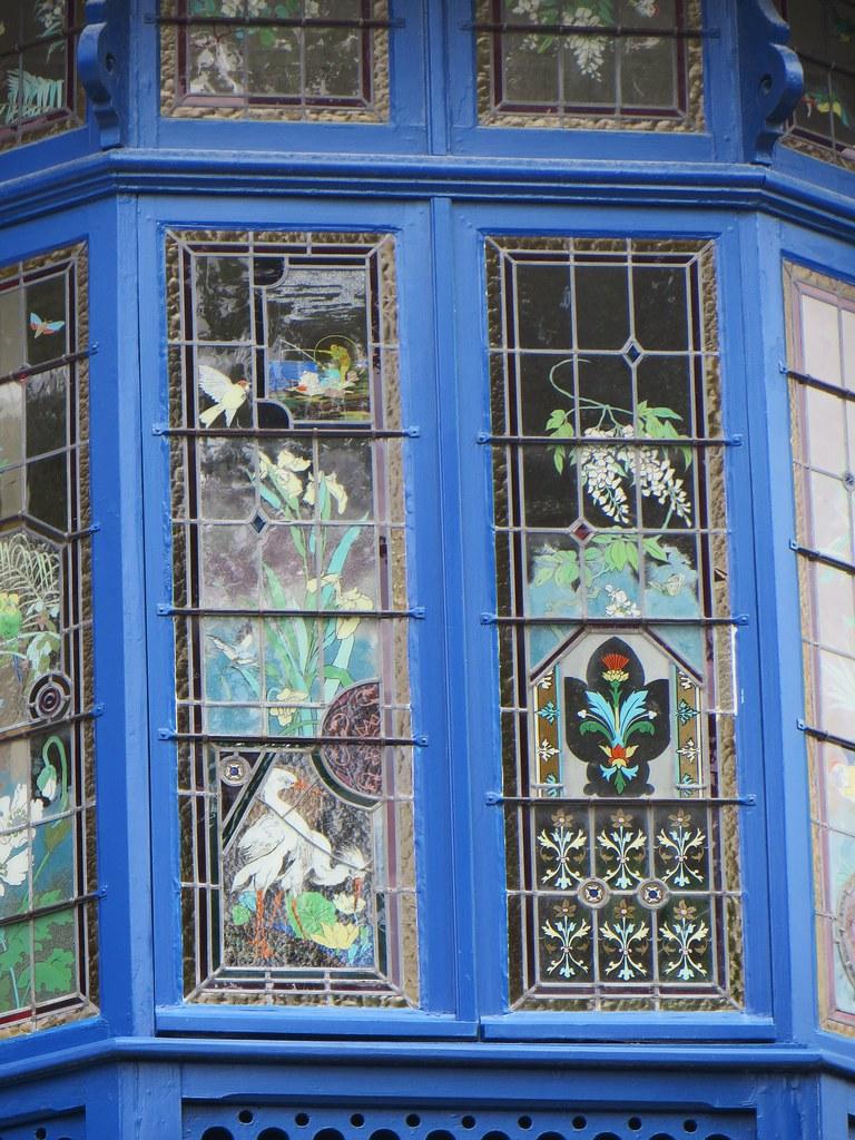bow window et ses vitraux villa vincenette 1895 art n. Black Bedroom Furniture Sets. Home Design Ideas
