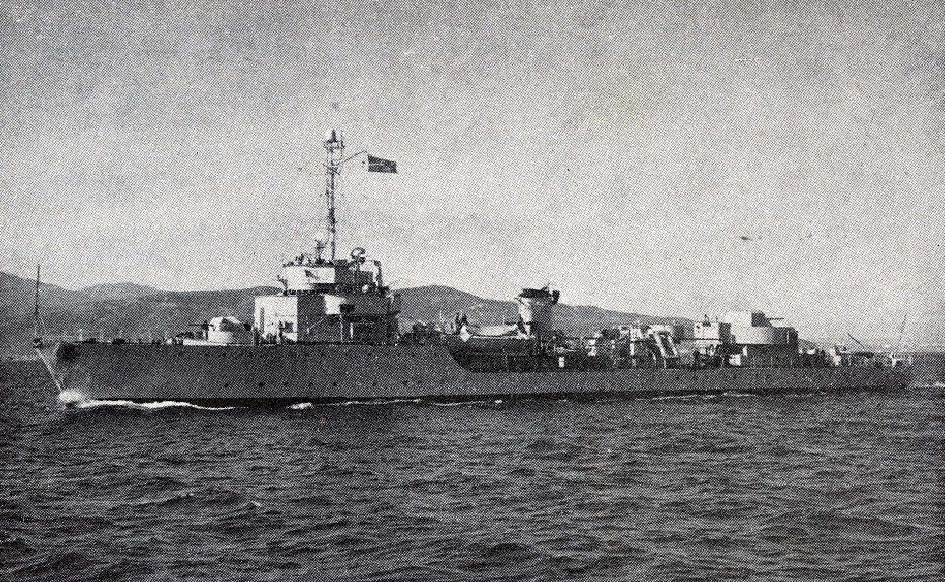Batiments et navires ayant servie au sein de la MRM - Page 3 31737415750_29f821cbc2_o