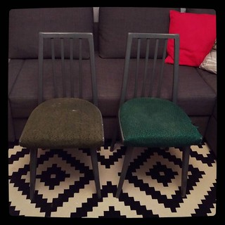 Furniture upgrade for #kuzzzmahomesweethome: 2 old chairs, before.