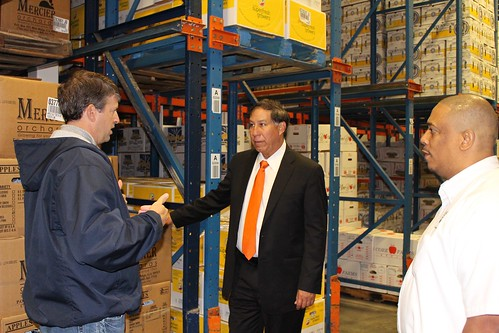 Matt Jardina talking about the company's cold storage capabilities while leading a tour