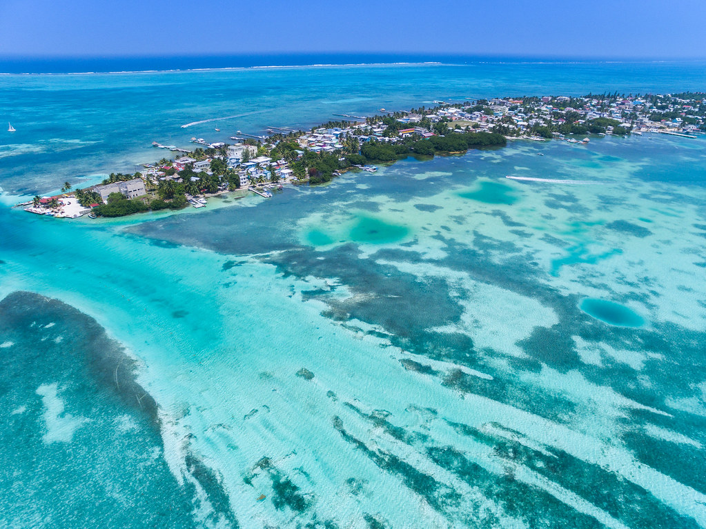 caye caulker map with 20884205971 on 184qV Belize Barrier Reef Belize furthermore DivesitesBIG furthermore 100021 additionally Caye Caulker Belize further South Water Caye.