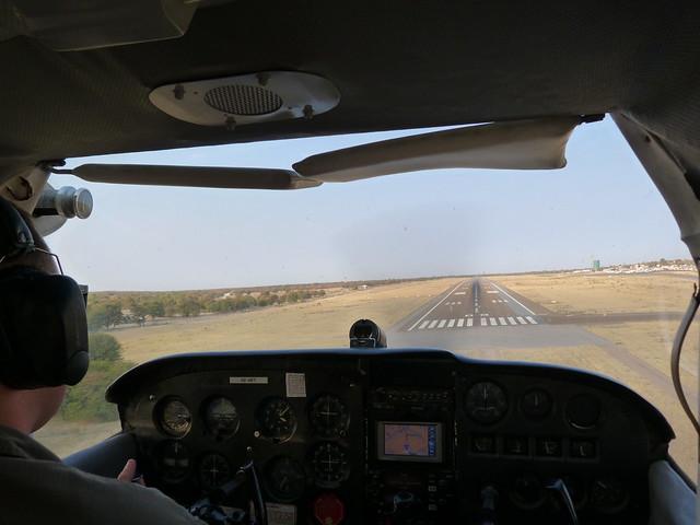 Cabina de la avioneta con la que sobrevolamos el Delta del Okavango (Botswana)