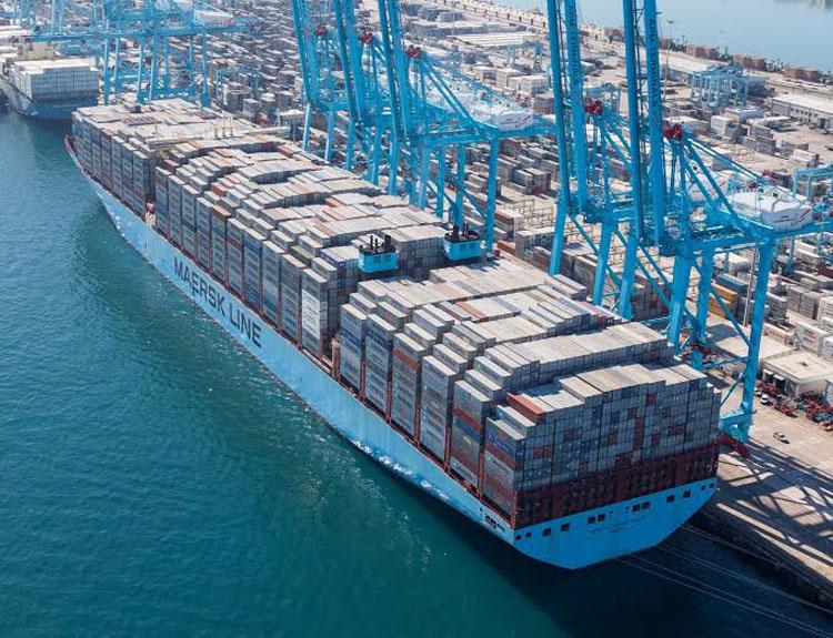 puerto contenedores maersk barco 13