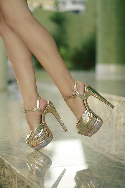 3ef8cdae23 Look - Gold Sandal (Variettá Calçados)