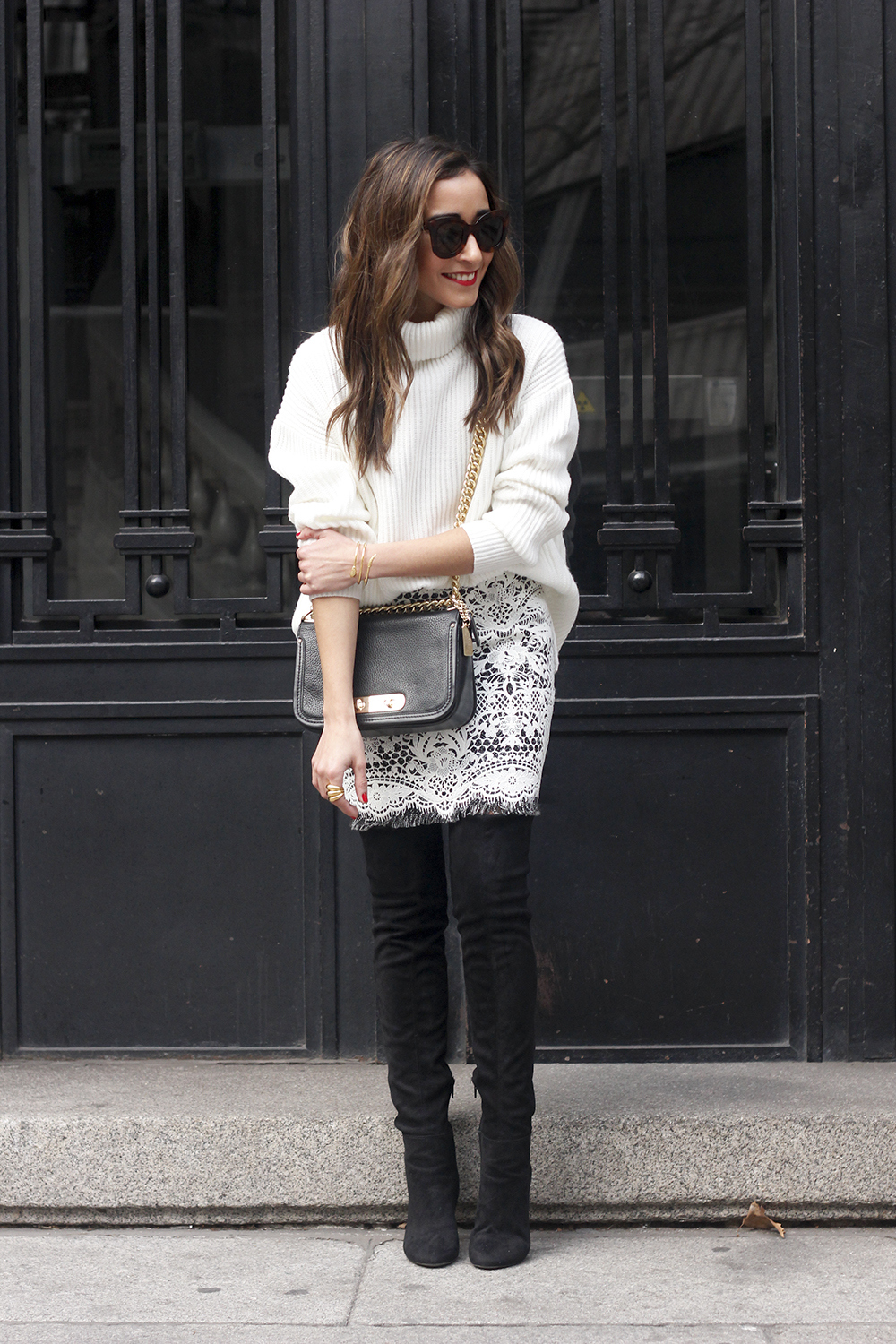 black and white lace skirt over the knee boots white turtleneck jersey outfit style winter01
