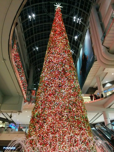 Christmas tree, Eaton Centre #toronto #christmas #eatoncentre