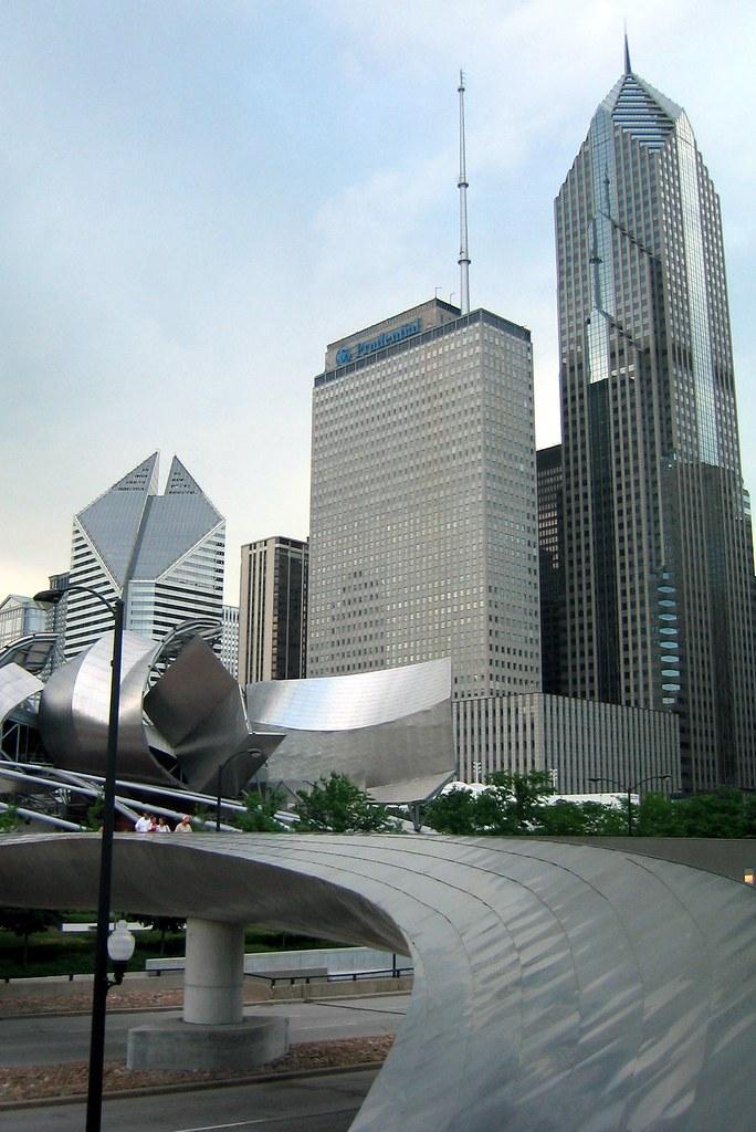 Chicago The Loop Millennium Park Bp Bridge And Chicag