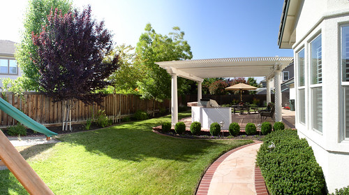 livermore california backyard my brother 39 s house in. Black Bedroom Furniture Sets. Home Design Ideas