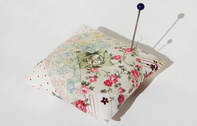 Log Cabin Pincushion in white and pink quilted and sewn by iHanna, Sweden