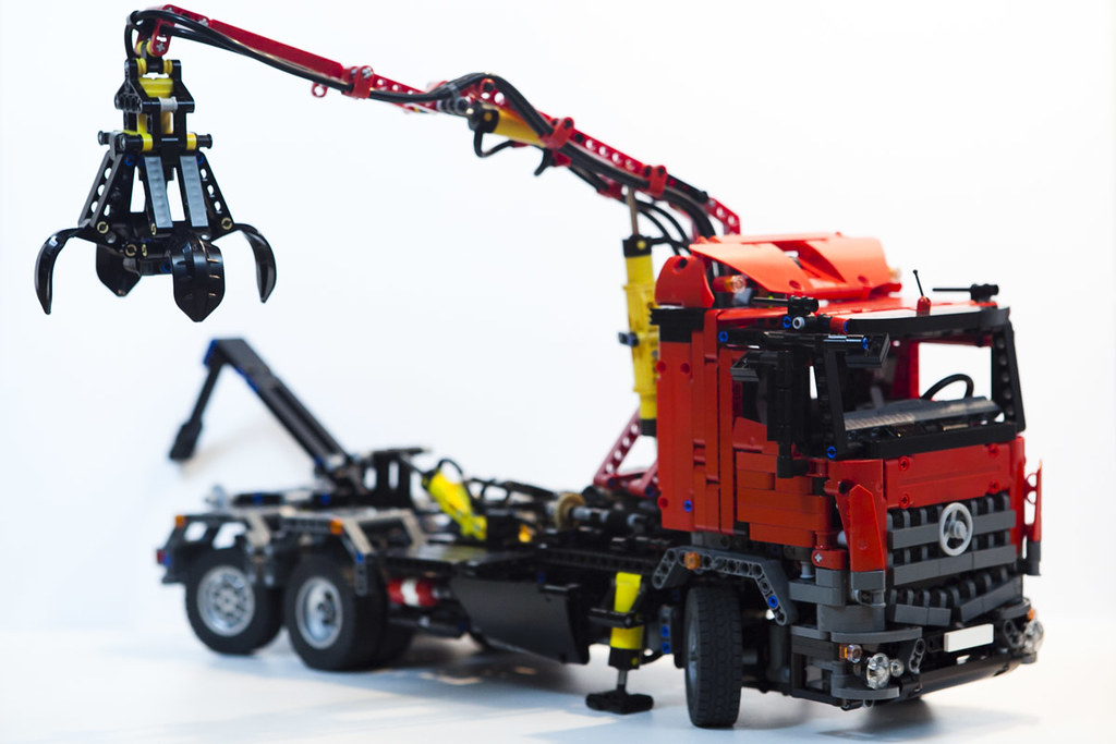 lego technic mercedes arocs hook lift hds www. Black Bedroom Furniture Sets. Home Design Ideas
