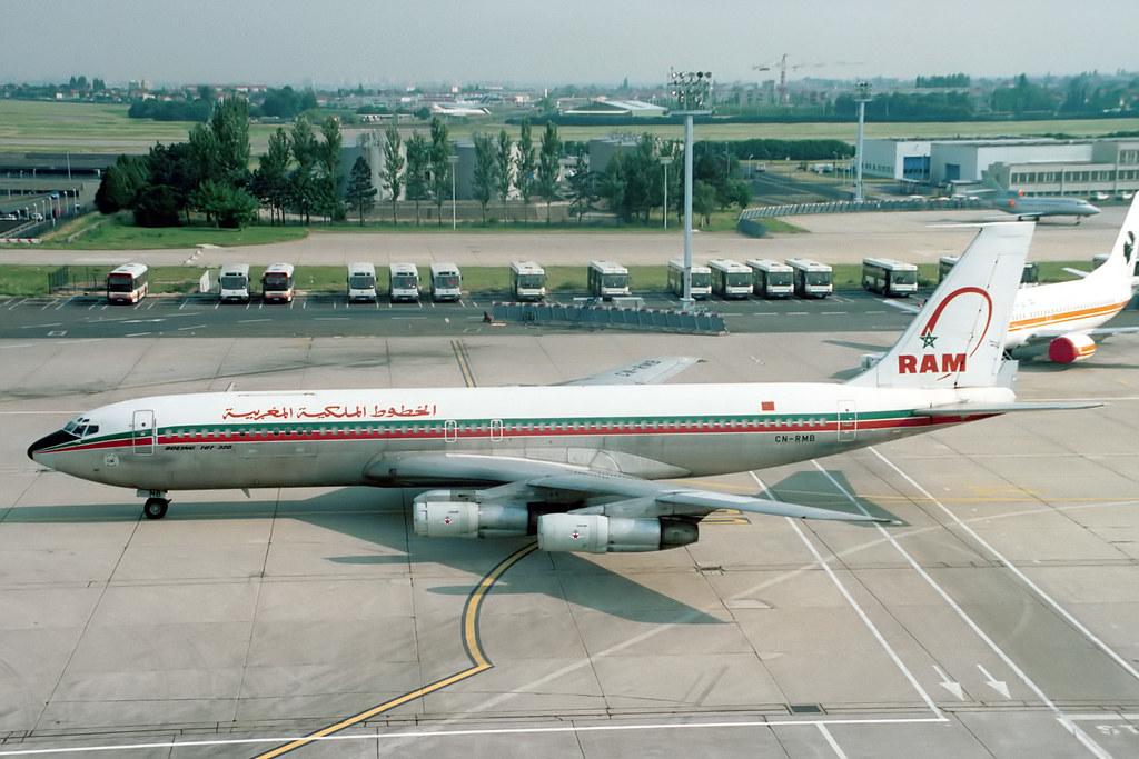 Anciens avions de la RAM - Page 2 30807523963_206ef73a67_b