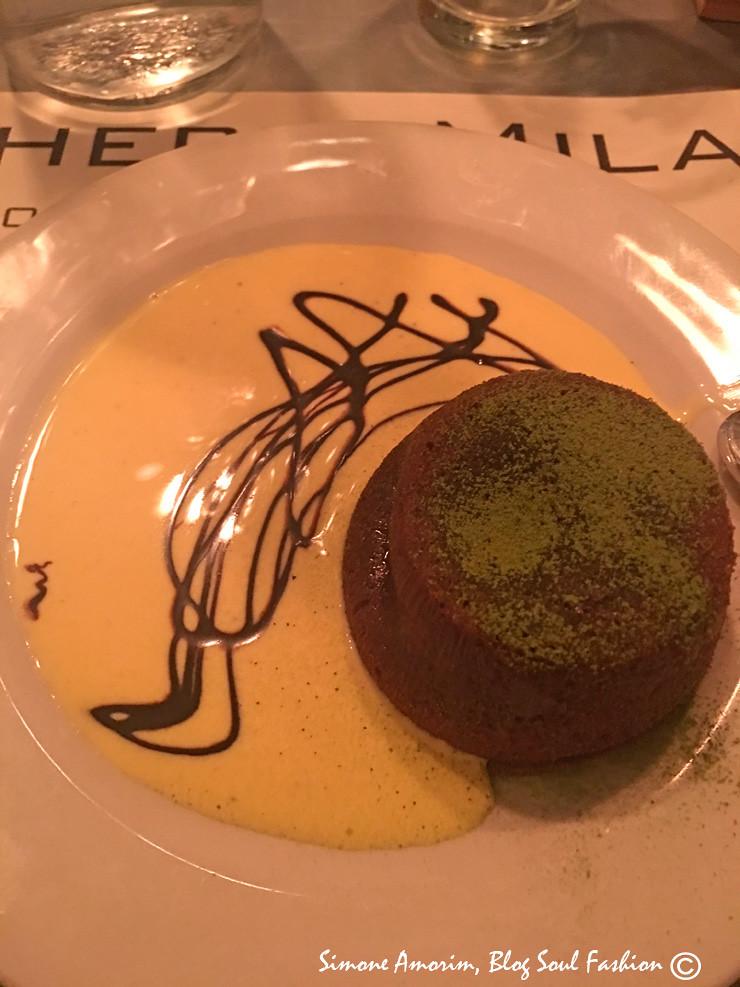 A minha sobremesa: tortinha quente de chocolate deliciosa.