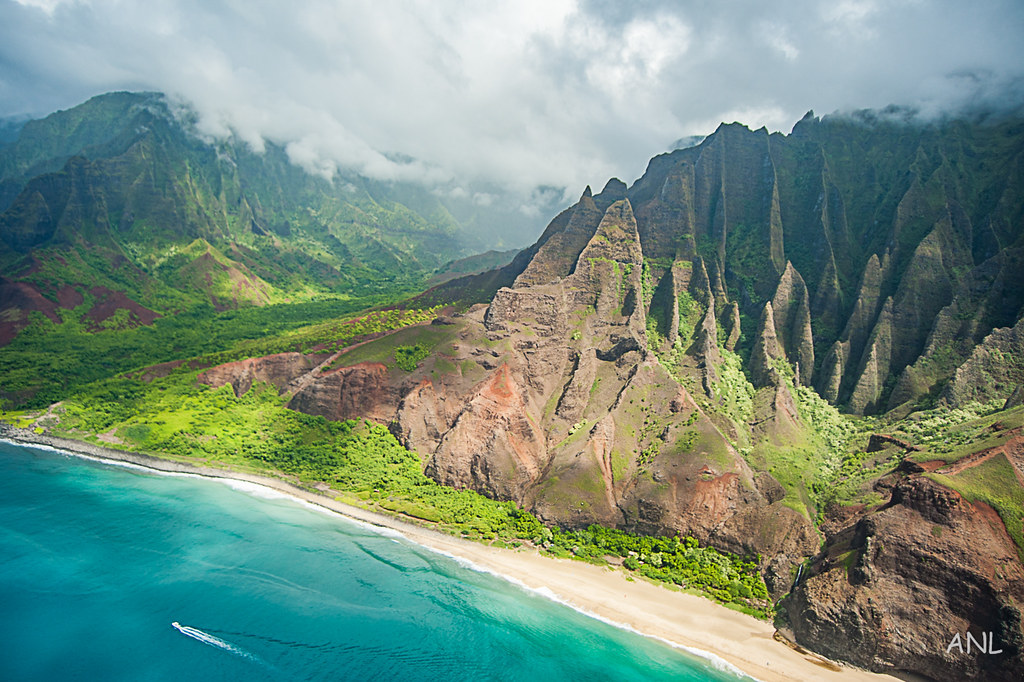 things to do in Kauai - KAUAI ISLAND AIR TOUR