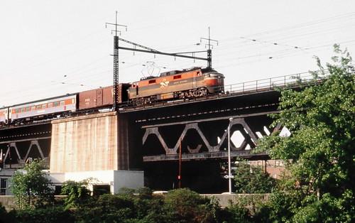 new haven railroad ep 5 motor is seen leading a passenger flickr. Black Bedroom Furniture Sets. Home Design Ideas