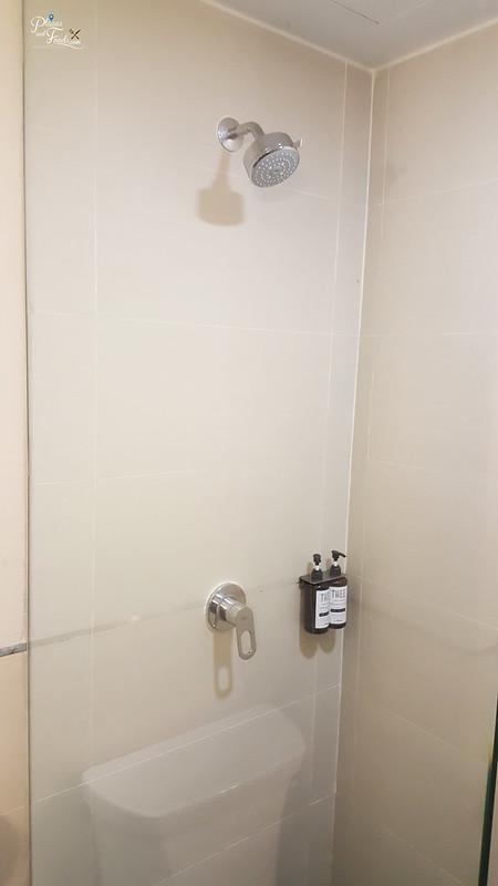 thee hotel bangkok bathroom