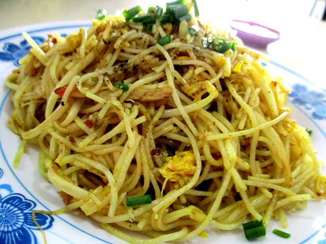 Y2K Cafe Singapore fried bihun