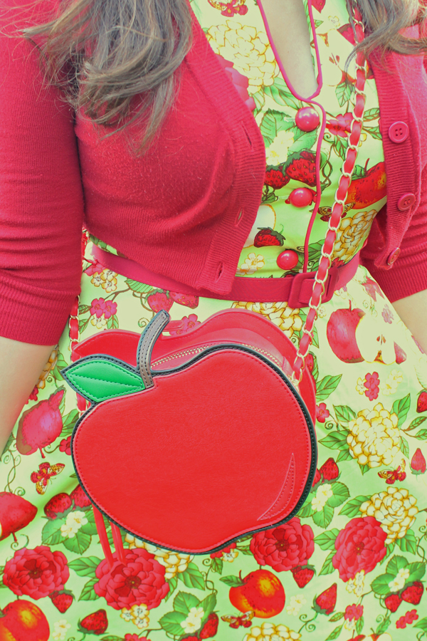 modcloth apple purse