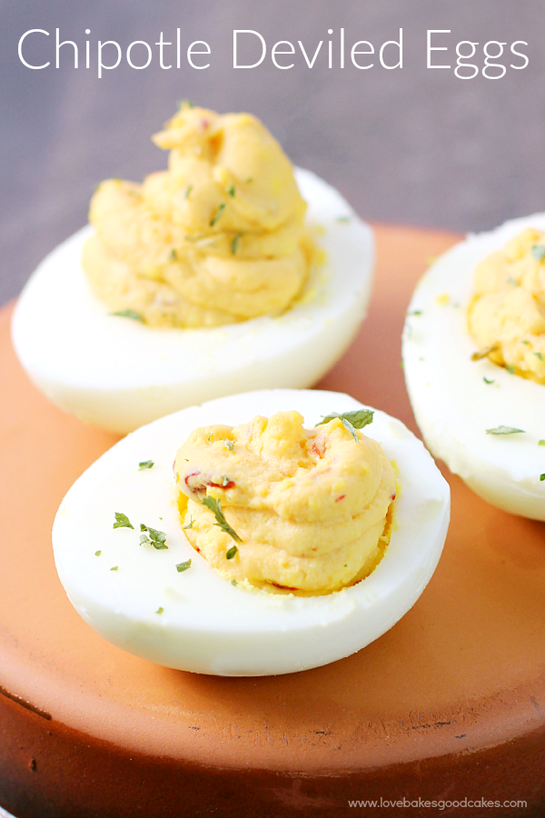 These Chipotle Deviled Eggs are the perfect way to spice up the appetizer table! Great for potlucks, game day, holidays, and parties! #GobbleAgain #IC #ad