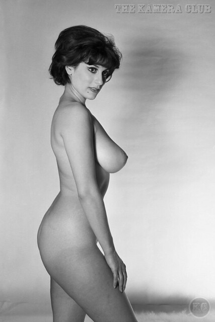 Elaine Gallo by Peter Basch – The Kamera Club