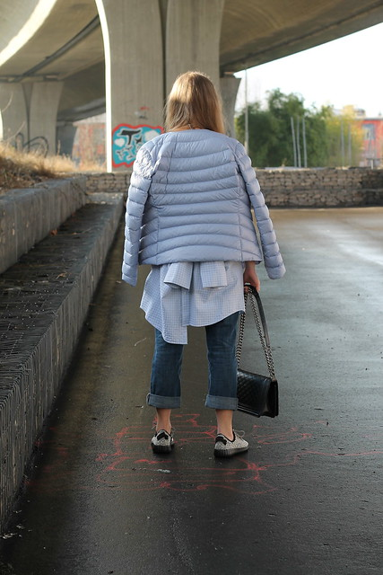 shirt-worn-as-a-off-shoulder-top-back-wiebkembg