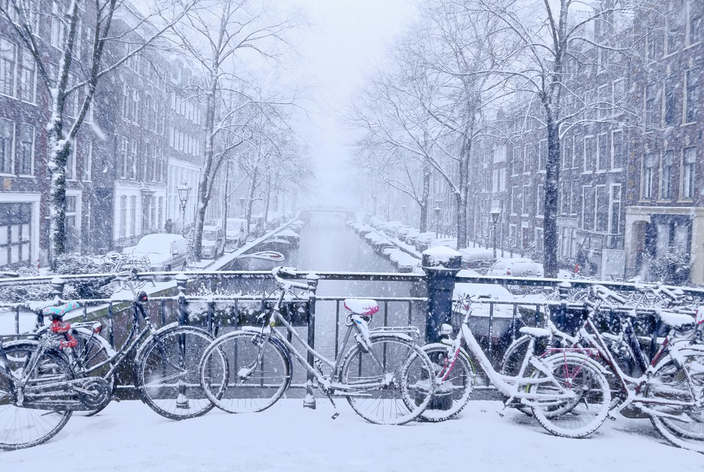 it 39 s magical as snow flurries began to fall in amsterdam flickr. Black Bedroom Furniture Sets. Home Design Ideas