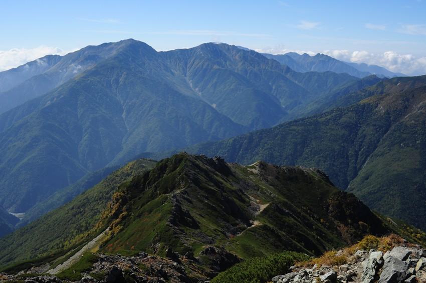 塩見岳東峰より荒川三山