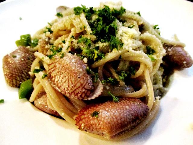 N2 flower clam aglio olio pasta