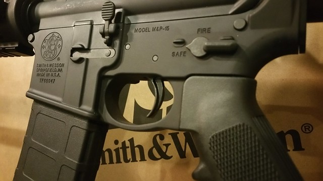 SW M&P15 red dot