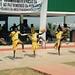 Timbilafestivaalilla Zavalassa kankaisiin, hapsuihin ja kravatteihin koristellut tanssijat tekivät näyttäviä hyppyliikkeitä ja löivät lehmännahkakilpiään maahan.