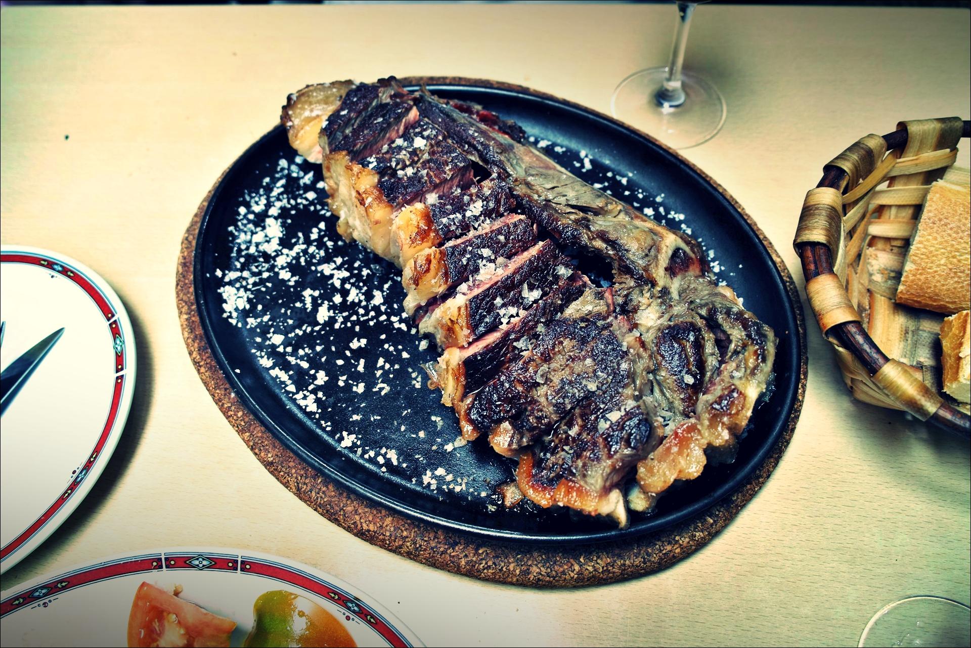네스토르 바 소갈비 구이(Bar Nestor ,Chuleta de Buey)-'산 세바스티안 둘러보기(Sightseeing San Sebastian, Spain)'