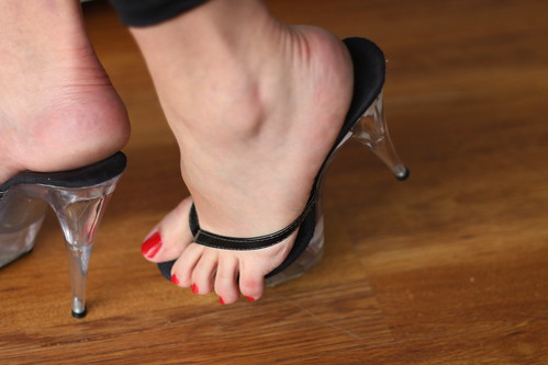 Fetish newspaper shoes stepping