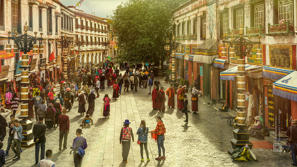 Tibet, In the streets of Lhasa (China), 06-2016, 93 (Vlad Meytin, vladsm.com)