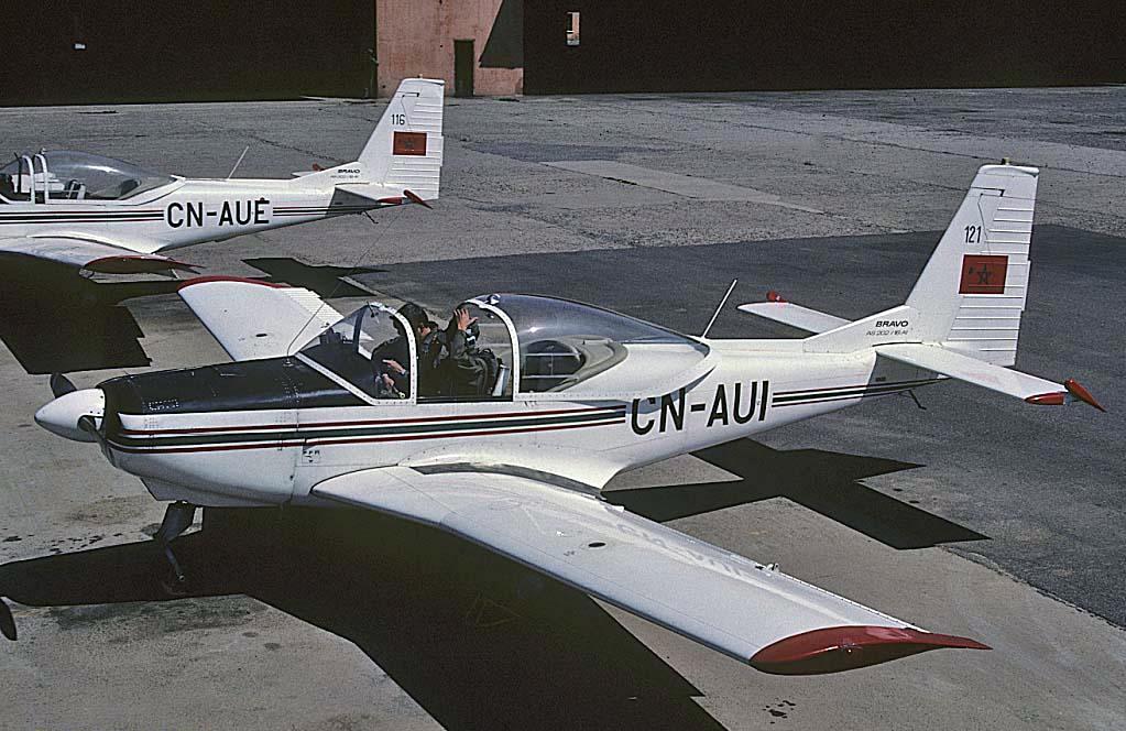 FRA: Photos avions d'entrainement et anti insurrection - Page 9 31774270365_79c036fea7_o