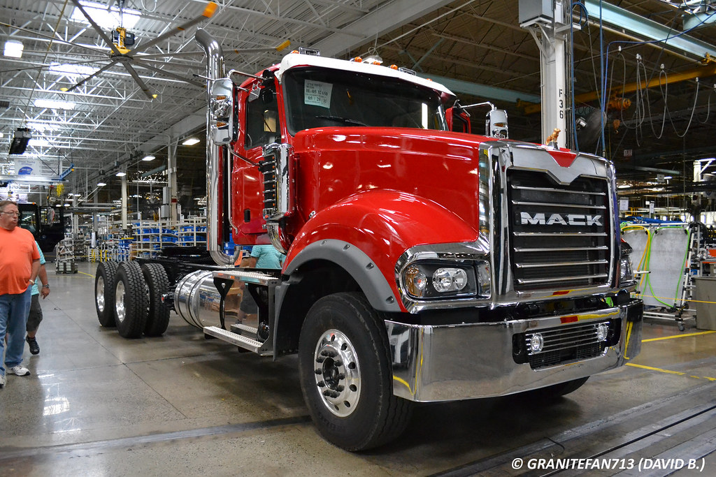 1973 Mack Tractor Truck : Mack td tractor trucks buses trains by