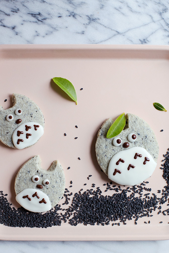 Totoro Black Sesame Shortbread by @cindyr