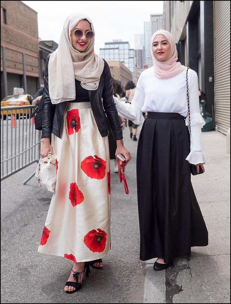 Leather jacket hijab -  Fw9 15 26w2 Long Skirt Big Red Flowers Black Top Black Leather Jacket Sandals Hijab