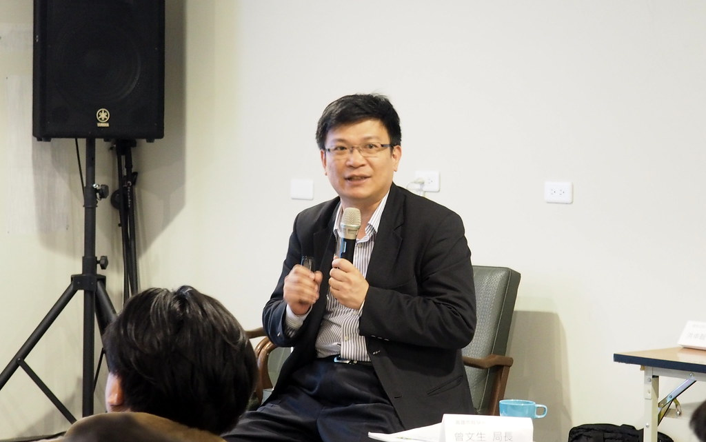 高雄市經發局長曾文生說,對於產業轉型執政者一直都在思考,但是擔心不夠快。攝影:李育琴