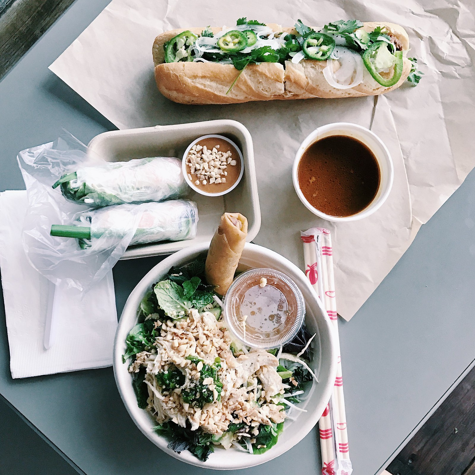 eastborough-vietnamese-flatlay-foodie-dinela-dineoc-thecamp-clothestoyouuu-elizabeeetht