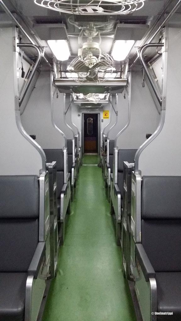 Thaimaalaisessa junassa