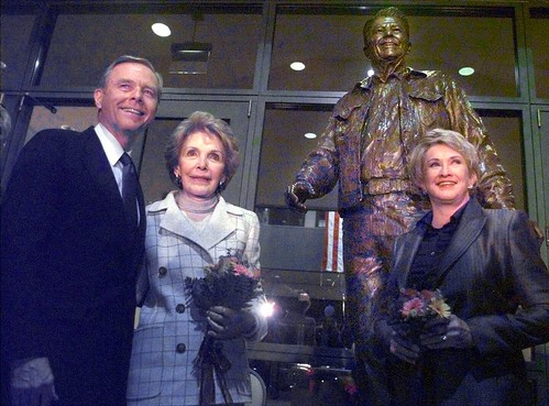 Glenna Goodacre Ronald Reagan statue