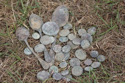 coins found at racecourse