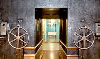 New York Fed gold vault entrance