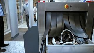 TSA luggage scanner