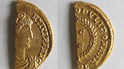 Half Roman gold coin semissis of Constantius II