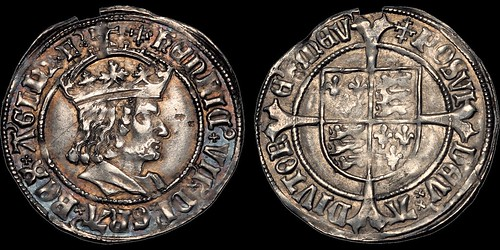 Henry VII's modern trimmed beard