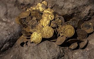 Mughal-era gold coins