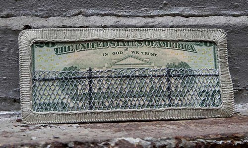 Embroidered banknote $10 fenced White House