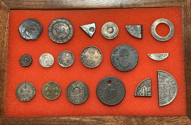 Island Hopping coin display 2021-05 Nummis Nova