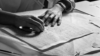Handling archival document